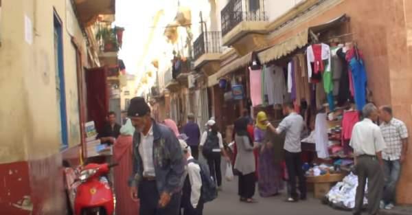 tangiers-street-scene